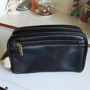 Kenneth Cole Reacton Toiletry/Travel Bag
